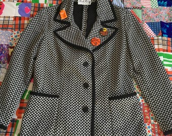 Vintage Black and White Op Art Three Button Big Collar Blazer Coat with Pockets and Halloween Pins