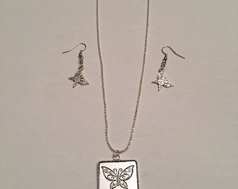 Let Your Dreams Take Flight Necklace and Earring Set
