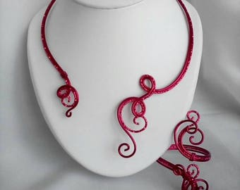 Necklace / bracelet in red aluminum wire