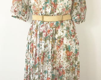 Pretty, vintage floral day dress. Approx UK size 10-12
