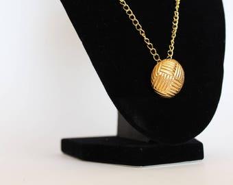 20% OFF gold metal button vintage necklace