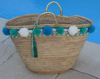 Black and white beach basket