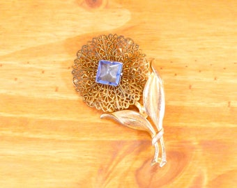 Vintage Art Nouveau filigree flower brooch