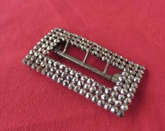 ancienne boucle de ceinture en métal recouverte de strass, old metal belt buckle covered with rhinestones,vecchia fibbia in metallo