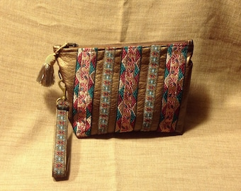 Wallet imitation leather braids emerald green and Burgundy.