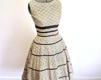 S 50s Full Skirt White Cotton Black Circles Print Ribbon Waist Summer Party Dress Jr Theme Small