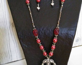 Hand made necklace of Crystal and glass beads