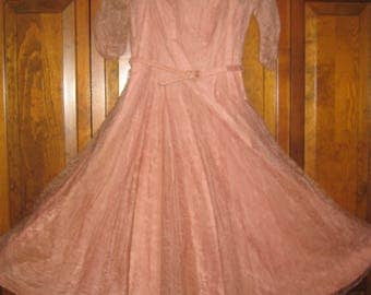 Vintage Pink Lace and Beaded Swing Skirt Party Dress with Taffeta Underdress and Belt