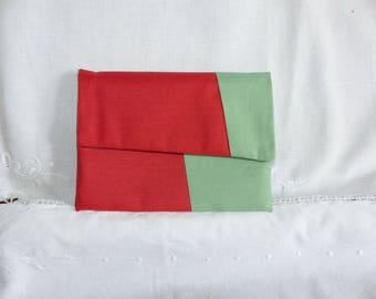 Red and green flap clutch