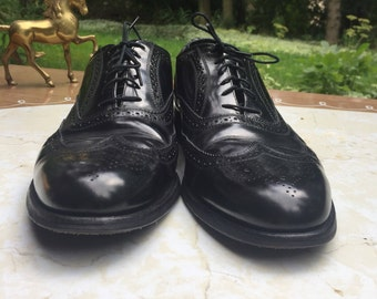 10d | 90s Florsheim Imperial 6 eyelet wingtip oxford brogue with foxing Leather sole and insole Goodyear channel welt Assembled in USA