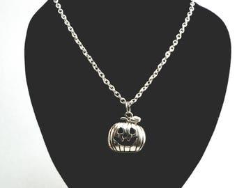 Jack O Lantern Necklace, Jack O Lantern Charm Necklace, Halloween Necklace, Pumpkin Necklace, Pumpkin Charm, Fall Jewelry