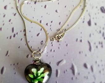 """Lampwork Glass flower necklace on silver tone chain, vintage. 10"""""""