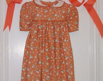 """Cotton Baby Girl Dress. 4 to 6 Months. 100% Cotton. """"Blowing Bubbles"""" Vintage Pattern"""