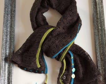 Fashion knit scarf.