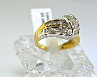14k Two Tone Gold And Baguette Cut Diamond Ring. Size 7