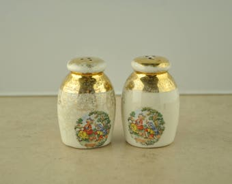Sabin Crest O Gold Colonial Gold Leaf Salt and Pepper Shaker Set