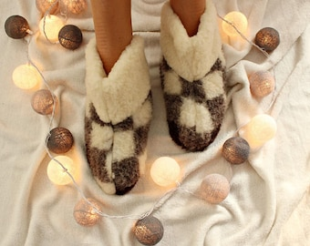 Sheep wool slippers Winter slippers Fur slippers Women boots Warm slippers Woolen shoes Size