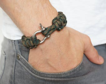 Mad Max style Paracord Bracelet with Steel Shackle - in Woodland Camo