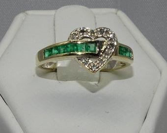 14K Emerald and Diamond Ring . Emerald 0.20ct . Diamond 0.06ct