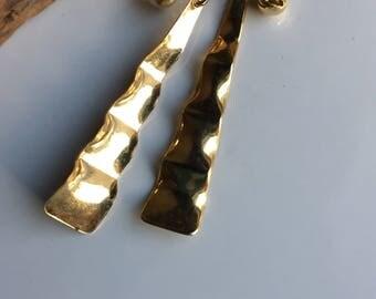 Vintage Clip On Earrings, 80's Earrings, Big Earrings, Long Earrings, Wavy Earrings, Dangle Clip Ons, Gold Plated