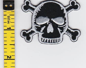 Iron On Patches - Black Skull and Crossbones