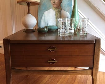 BASSETT SQUARE ENDTABLE Midcentury Danish Modern Side Table with Drawer Walnut Wood c1960s Excellent Condition Vintage Retro
