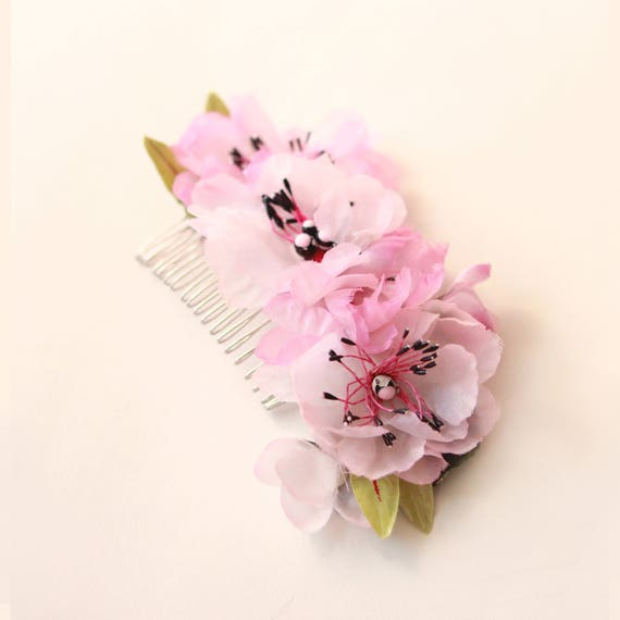 Flower hair comb, Unique bridal headpiece, PINK or WHITE, Vintage millinery flowers, Anemone floral comb, Bridal up-do clip