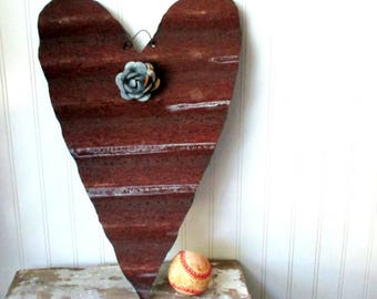 Reversible corrugated tin heart rusty and galvanized with removable magnet tin rose wall hanging Farmhouse decor