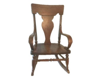 Queen Anne style child's wooden rocker - Fiddleback with bentwood arms - Late 1800s to early 1900s - Charming
