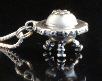 UFO Necklace Silver Flying Saucer Necklace Spaceship Necklace UFO Jewelry Alien Jewelry Alien Necklace Alien Charm UFO Miniature Spaceship