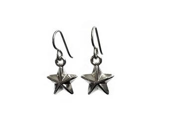 Silver star dangle earrings - Hypoallergenic pure titanium and acrylic
