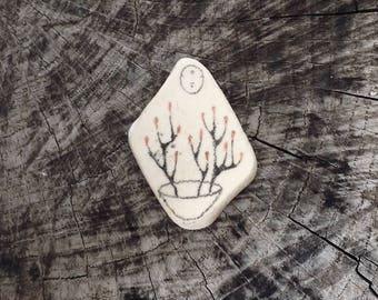 Beach Pottery Kuan Yin - The Bodhisattva of Compassion - Plants / Sprouts / Buds / Ikebana