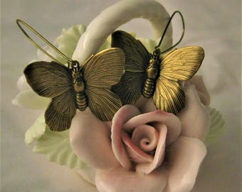 Butterfly Earrings Vintage Brass Beautiful Butterflies Gift for Her Butterfly Jewelry Insect Jewelry Bug Nature Lover Gift Butterfly Dangle
