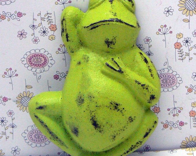 Frog Cast Iron Shabby Elegance Toad Sleeping Relaxing Amphibian Lime Green Distressed Wall Decor
