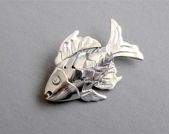 Taxco Silver FISH PIN Brooch - Mexico - Nicely Detailed (Item Z 23)