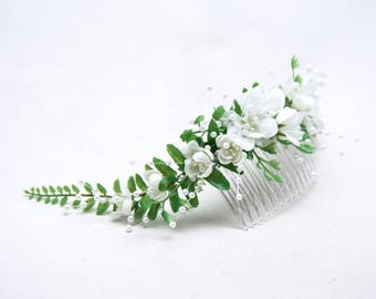 Wedding Hair Comb of Green Fern and Flowers with Pearl Sprays Back of the Head Bridal Headpiece Flower Crown Nature Headpiece for Weddings