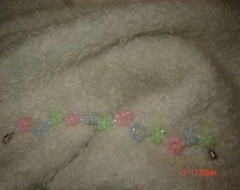Pastel Daisy Chain Bracelet 7.5 inches Barrel Clasp