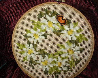 vintage framed hoop needlepoint daisy and butterfly basketweave wall hanging