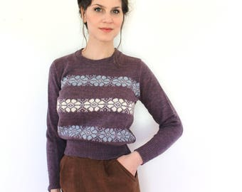 1970s Sweater / 70s 80s Sweater / 1980s 1970s Purple Knit Floral Stripes Nordic Sweater