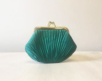 Vintage coin purse, green coin purse, change purse, vintage purse, coin pouch, small purse, retro coin purse, green purse, green money purse