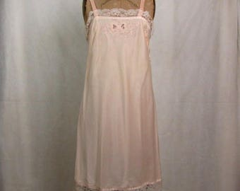 Vintage Barbizon Sylfaire Blush Pink Full Sheath Slip ~ Vintage Size 14 ~ Modern Size 4-6 ~ Bust 35.5 ~ Medium/Small