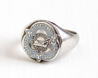 Sale - Vintage Sterling Silver Wilson College Class Signet Ring - Size 4 1/2 White Enamel Latin Text Wilsonensis Sigillum Collegii Jewelry