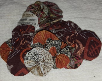 20 Yo Yos -  Brown mix for crafting, Suffolk flower puffs, Yoyo