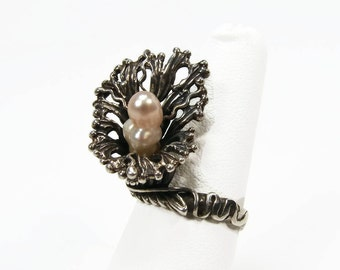 Sterling Pearl Ring, Sterling Silver, Brutalist Ring, Fresh Water Pearl, Size 8, Pink Pearl, Vintage jewelry, Signed LHM, Estate Jewelry
