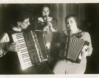"Vintage Photo ""Midnight Music"" Snapshot Antique Black & White Photograph Found Paper Ephemera Vernacular Interior Design Mood - 33"