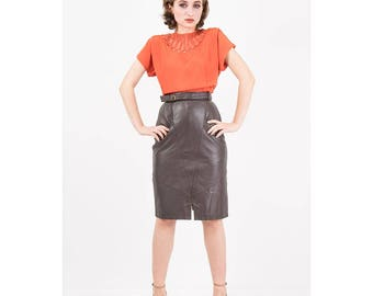 Vintage leather skirt / 1980s buttery soft leather pencil skirt / High waist knee length with belt and pockets / XS