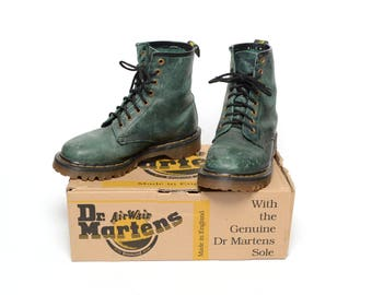 vintage 90s Dr. Martens green leather boot Air Wair 1990 grunge mid boot 8 eye Doc Martens distressed leather boot size 5 Made in England