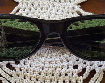 Great Vintage Pair of Black Hand Painted Crystal Cat Eye (Cateye) Sunglasses/Eyeglasses (Eye Glasses)