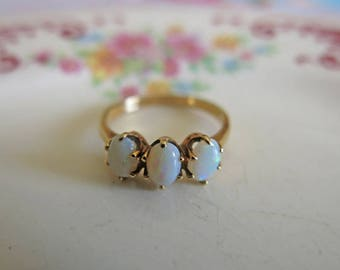Vintage Opal Ring 14K Gold Opal Ring October Birthstone 14K Gold Ring Opal Wedding Ring Estate Jewelry Size 6 1/2