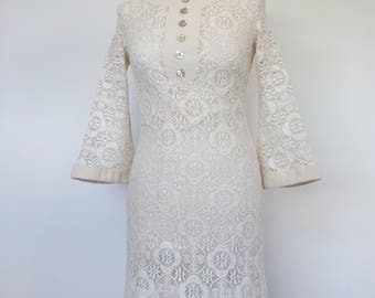 60s Mod Wedding Dress Cream Lace with Bell Sleeves UK 8 / 10 S US 6 / 8